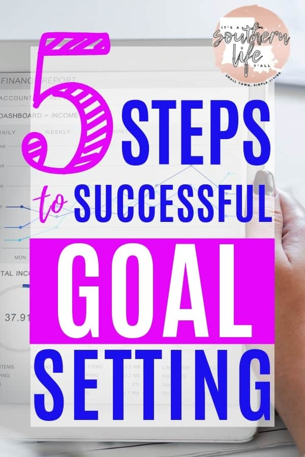 Set your goals and achieve them using these 5 steps and free printable goal tracker. Living the life of your dreams is easy when you have the right tools and know how to be productive in achieving your goals.