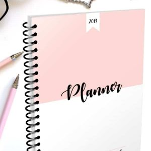 Get organized with this 2019 Planner. A daily planner to keep you organized and productive. Includes 280 pages.