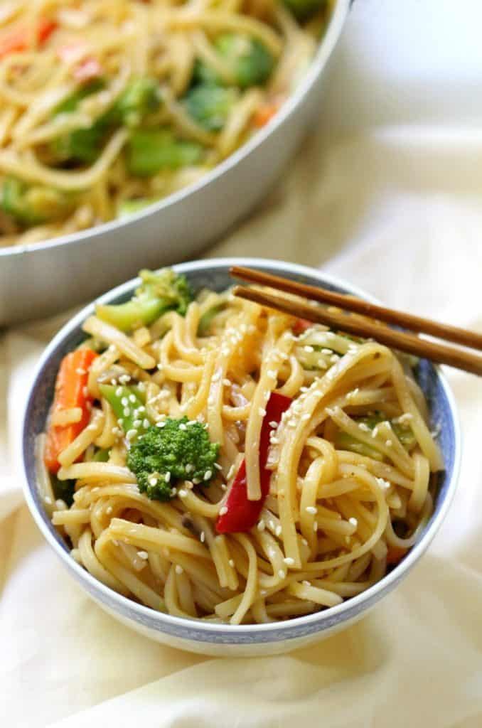 10-MINUTE GLUTEN-FREE VEGETABLE LO MEIN from Strength and Sunshine