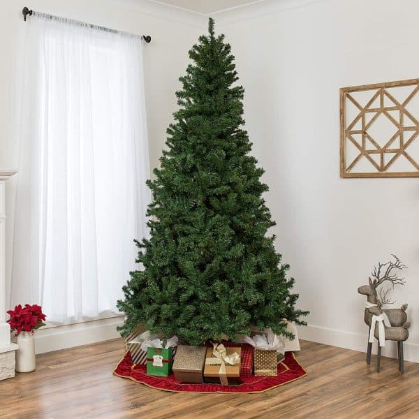 7.5 foot unlit Spruce artificial tree